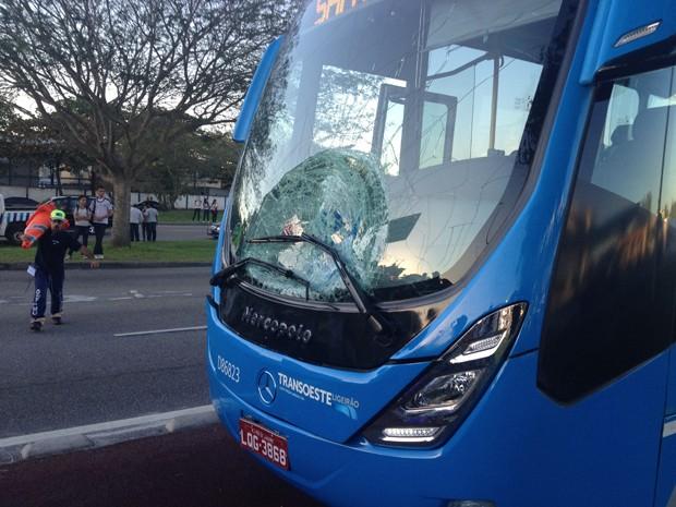 Esta é a quinta vítima atropelada no corredor expresso  BRT (Foto: Luiz Eduado Mendonça/VC no G1)