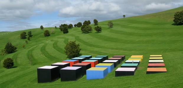 leon-van-den-eijkel-red-cloud-confrontation-in-landscape-parque-escultura-nova-zelandia.jpg (Foto: Reprodução Gibbs Farm/Divulgação)
