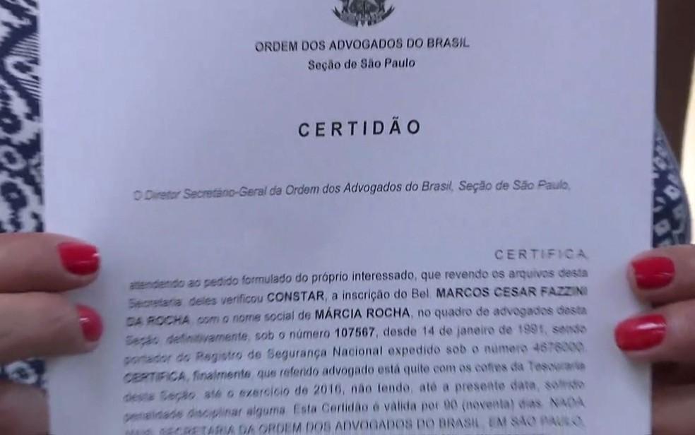 Certidão da OAB traz o nome de registro e o nome social da advogada Márcia Rocha (Foto: GloboNews/Reprodução)