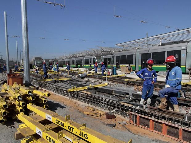 Parte das obras do Veículo Leve sobre Trilhos (VLT) consiste na construção de um Centro de Controle e Operações (CCO), localizado ao lado do Aeroporto Marechal Rondon, em Várzea Grande, região metropolitana de Cuiabá. (Foto: Edson Rodrigues / Secopa)