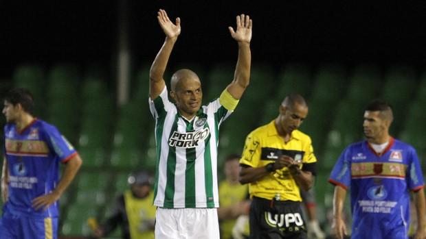 Alex comemora, Coritiba x Rio Branco (Foto: Geraldo Bubniak/Agência Estado)