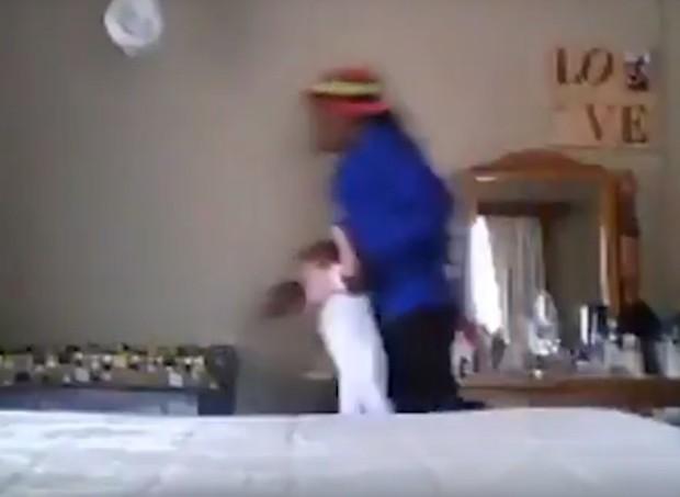 baba (Foto: Reprodução/Youtube)