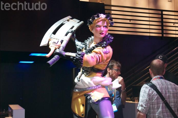 Estatua da peronagem da Battlecry (Foto: Monique Mansur/TechTudo)