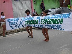 Crianças assistidas por ONG participam de dia de recreação em Alagoas (Foto: Divulgação/Anna Pontes)