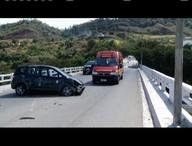 Pedestre morre após ser arremessado de ponte em acidente no Vale do Aço
