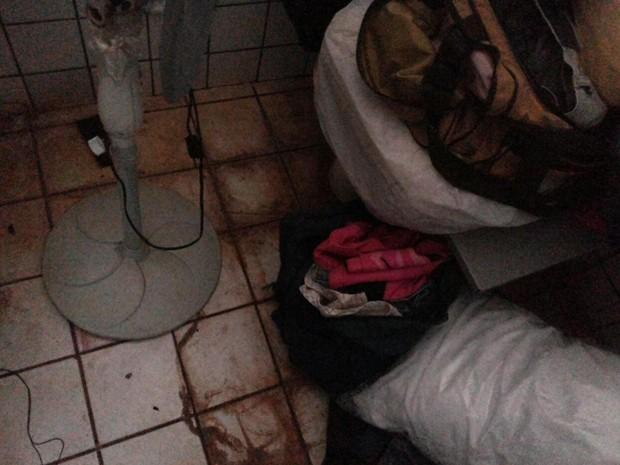 Agentes convivem com sujeira e falta de estrutura  (Foto: Divulgação / Polícia Civil)