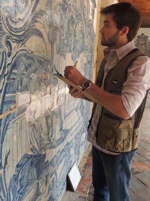 Yuri Freitas se apaixonou pela arqueologia. (Foto: Vitor Tavares / G1)