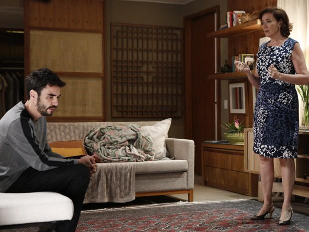 José Pedro fica bolado com decisão da esposa (Foto: Fábio Rocha/ Gshow)
