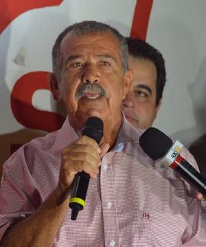 Presidente Reinaldo Moura discursa na reinauguração (Foto: Felipe Martins / GloboEsporte.com)