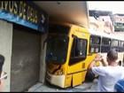 Passageiros de ônibus ficam feridos após veículo estragar e bater em MG