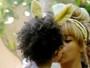Páscoa em família! Beyoncé e a filha usam orelhas de coelho e se divertem