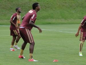 Jô treino Atlético-MG (Foto: Léo Simonini / Globoesporte.com)