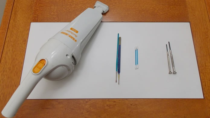 Para limpar seu PC você precisará de chave de fenda, aspirador de pó, pincel, cotonete e pano (Foto: Reprodução/Daniel Ribeiro)