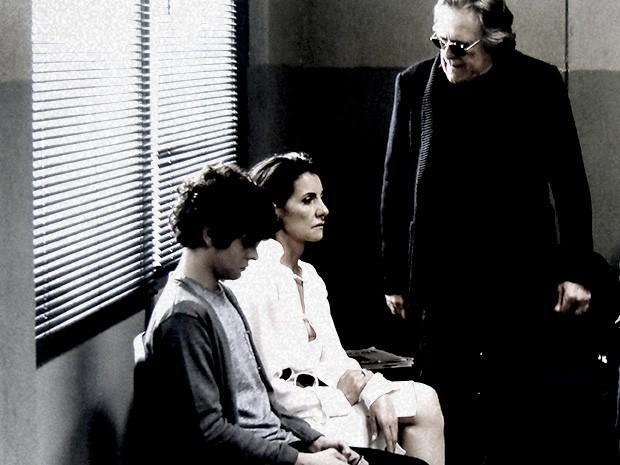Bernardo está furioso e Gilda inconformada com a situação de Valentina (Foto: O Rebu / TV Globo)
