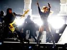 Alheia às críticas de Amanda Bynes, Rihanna brilha em show na Espanha