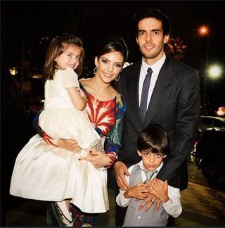 Carol Celico, Kaká e filhos na última aparição juntos no fim de outubro (Foto: Reprodução do Instagram)