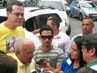 Melo vota em Manaus acompanhado do vice (Thiago Moraes/TV Amazonas)
