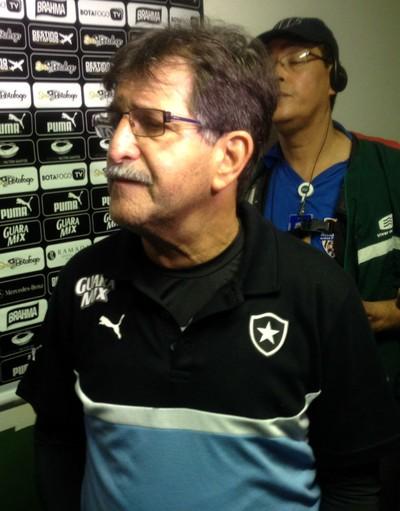René Simões, técnico do Botafogo (Foto: Marcelo Baltar / GloboEsporte.com)