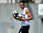 Ricardo Oliveira não tem prazo de retorno ao Santos; entenda a situação