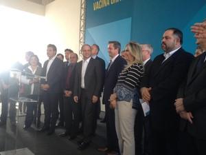 Campanha foi lançada pelo governador Beto Richa na tarde desta terça (26), em Paranaguá (Foto: Marcelo Rocha / RPC)