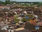 População joga até 'sala de estar' em área limpa há 15 dias, diz prefeitura