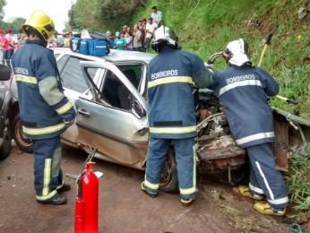 Motorista de um dos veículos morreu no local, segundo a PRE (Foto: Divulgação/Polícia Militar)