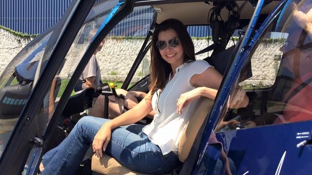 Tatyana Jorge momentos antes de sobrevoar a região (Foto: Arquivo Pessoal)