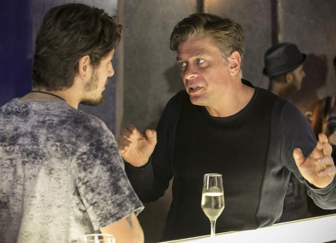 Rafael troca farpas com Arthur (Foto: Raphael Dias/Gshow)