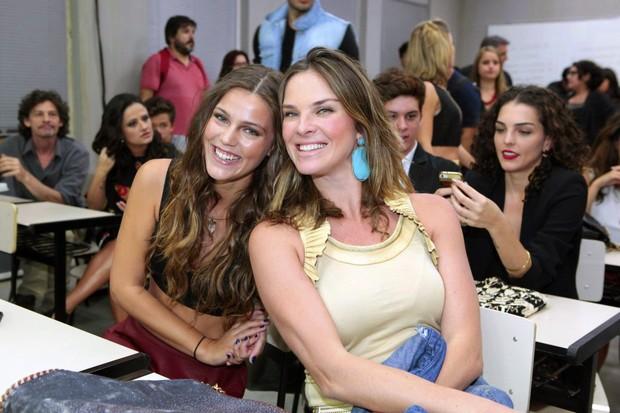 Pâmela Tomé e Leticia Birkheuer: filha e mãe em Malhação (Foto: Isac Luz/EGO)