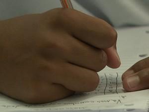 Jovens dizem que vão continuar a estudar quando deixarem a fundação (Foto: Marlon Tavoni/EPTV)