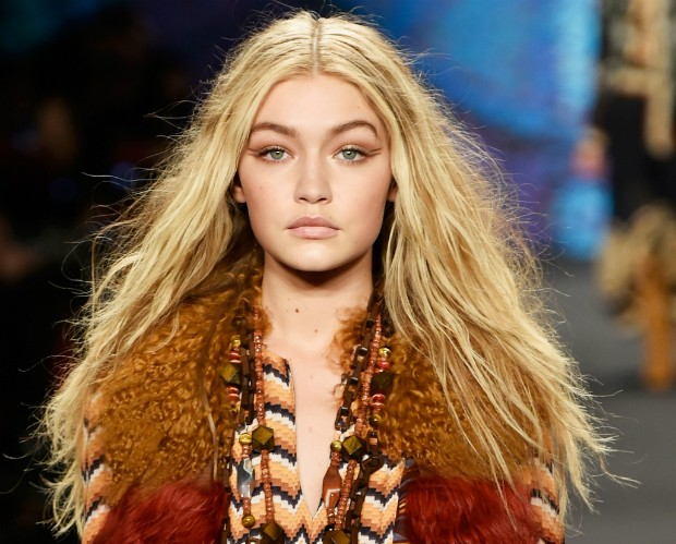 Aprenda três dicas simples para fazer seu cabelo crescer mais rápido