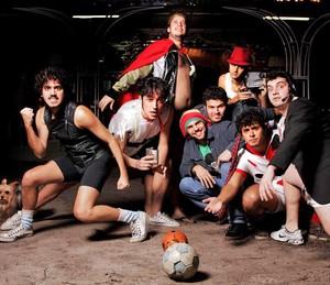 George Sauma e a banda 'Choque do Magriça' (Foto: João Atala/Divulgação)