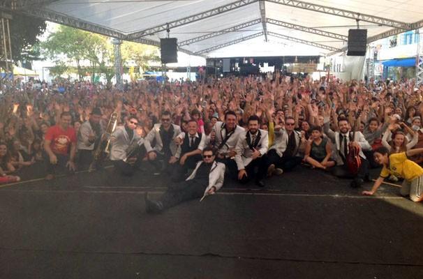 Big Time Orchestra fechou a festa no palco da RPC (Foto: Divulgação/RPC)