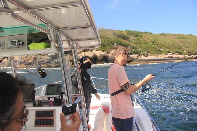 Será que o mar estava pra peixe para o Gui Bernardy? (Foto: RBS TV/Divulgação )