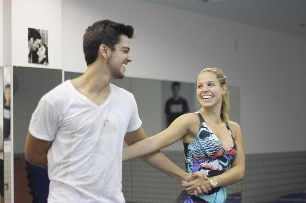 Rodrigo Simas de volta à dança (Foto: Divulgação)