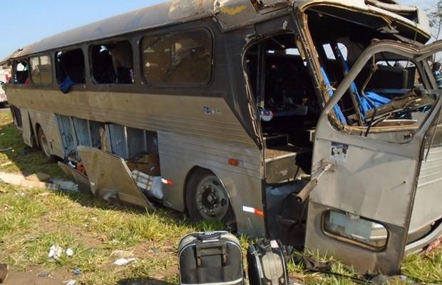 Ônibus de turismo levava mais passageiros do que o permitido, suspeita a PRF (Foto: Divulgação/PRF)