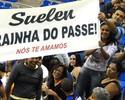 Família leva faixa para a líbero  Suelen, ex-Minas e hoje no Campinas