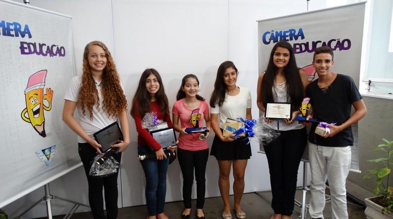 Vencedores do projeto Câmera Educação 2014 (Foto: Eder Pin)