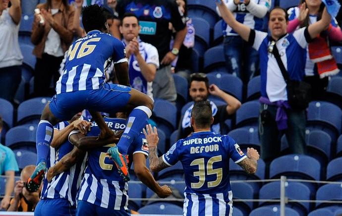Porto comemora contra Benfica (Foto: AP)