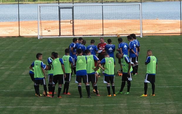 jogadores Flamengo treino Brasília (Foto: Richard Souza)