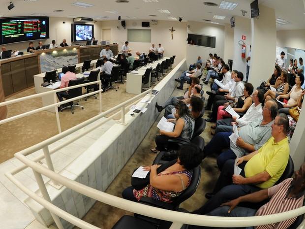 Votação do Orçamento de 2013 na Câmara de Piracicaba (Foto: Fabrice Desmonts/Câmara)