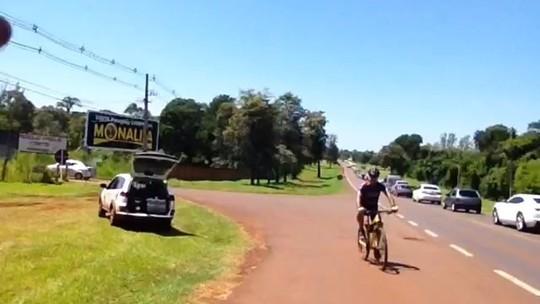 Turistas enfrentam fila para visitar as Cataratas do Iguaçu