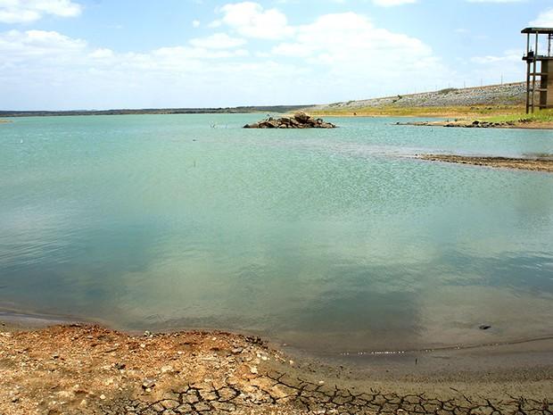 Barragem Engenheiro Armando Ribeiro Gonçalves, maior reservatório do RN, está com 25% da capacidade. Este é o mais baixo volume de sua história   (Foto: Anderson Barbosa/G1)