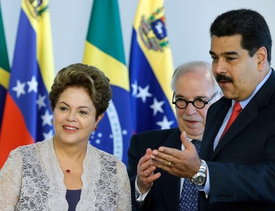 Dilma, Marco Aurélio Garcia e Nciolás Maduro, no Palácio do Planalto (Foto: Associated Press)