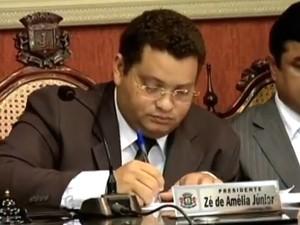 Vereador é investigado por envolvimento em sete casos de fraude (Foto: TV Verdes Mares/Reprodução)