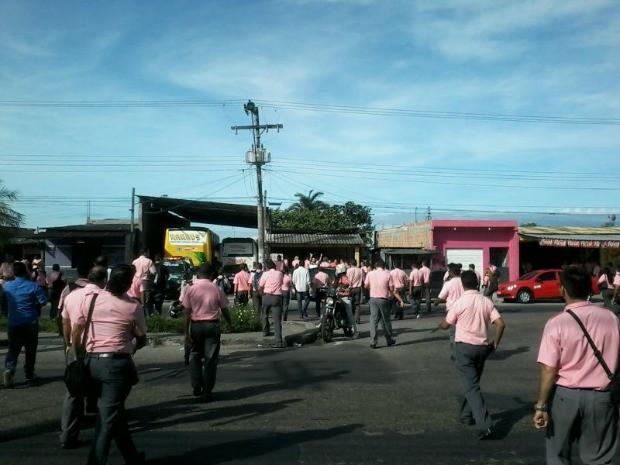 Movimento grevista começou na manhã desta segunda (Foto: Rádio Amazonas FM/Reprodução)