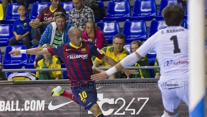 Igor Sabiá vestia a 10 do Barcelona até a última temporada (Foto   Reprodução  51d9ceaa70a89