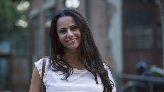 Viviane Araújo mostra dia de gravação no cenário de 'Sol Nascente'