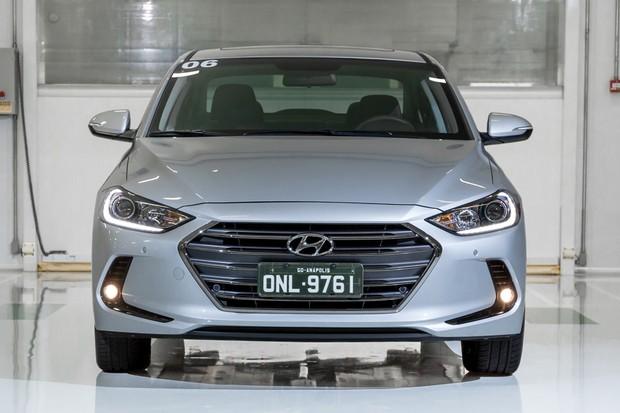 Hyundai Elantra (Foto: Marcos Camargo / Autoesporte)
