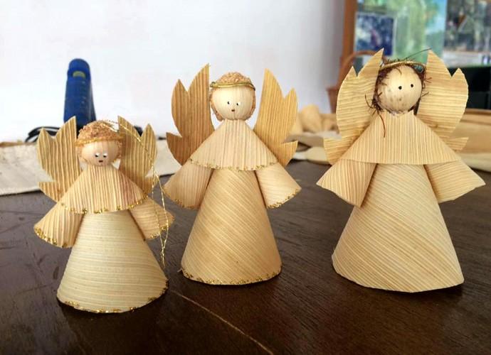 Aprenda a fazer um anjinho de palha de milho para enfeitar a sua árvore de natal (Foto: Divulgação/RPC)